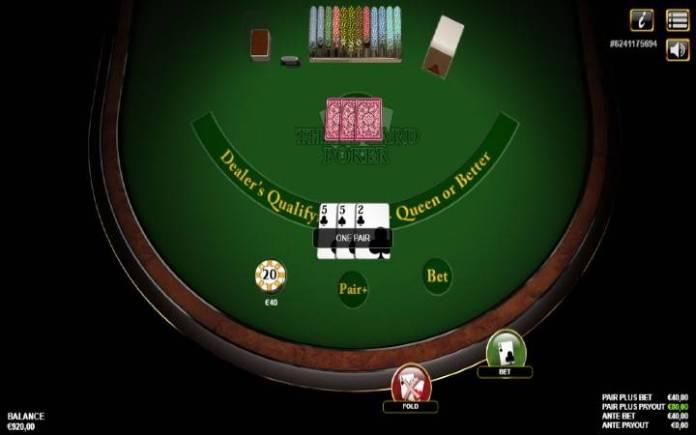 Tunawasilisha toleo lingine la poka ya karata tatu. Karata tatu zinatosha kwenye Three Card Poker.
